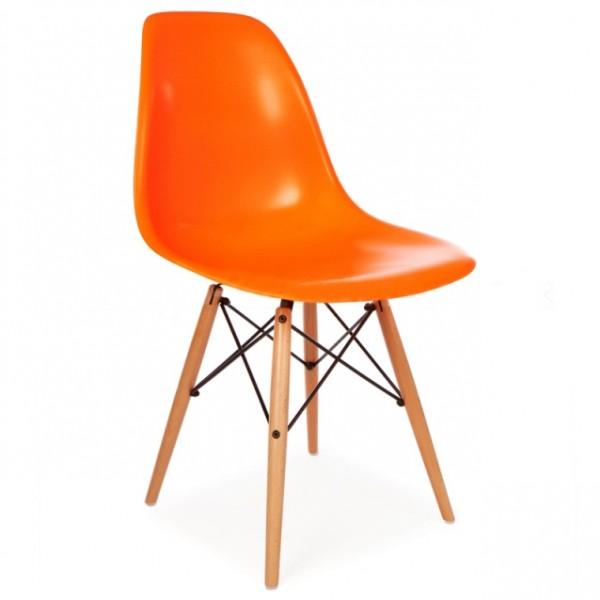 Silla dise o eames naranja con patas de madera for Disenos de sillas de madera