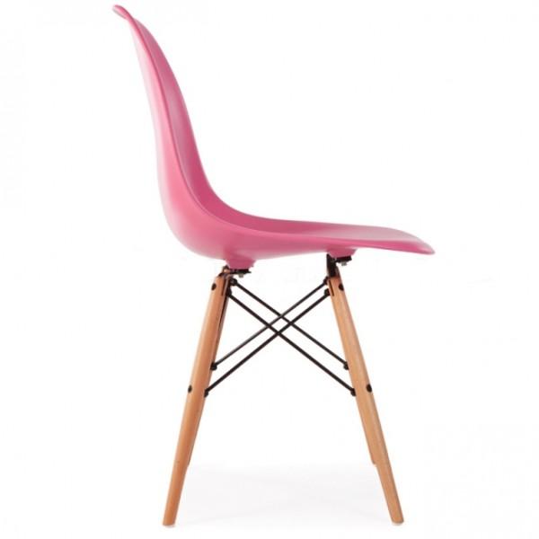 Silla dise o eames rosa con patas de madera for Disenos de sillas de madera