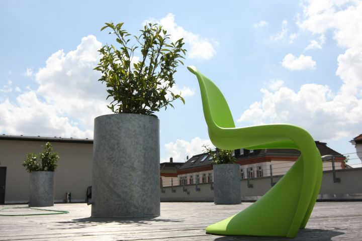 win-a-vitra-verner-panton-chair-dark-lime