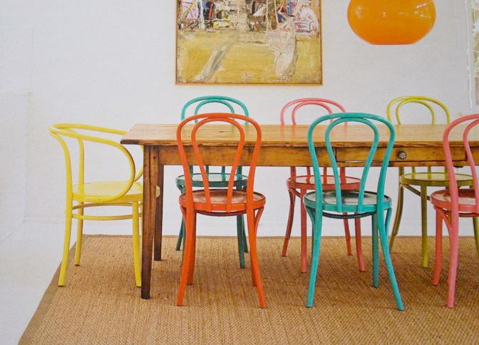 La silla thonet un cl sico a tener en cuenta el blog de for Sillas de colores para cocina