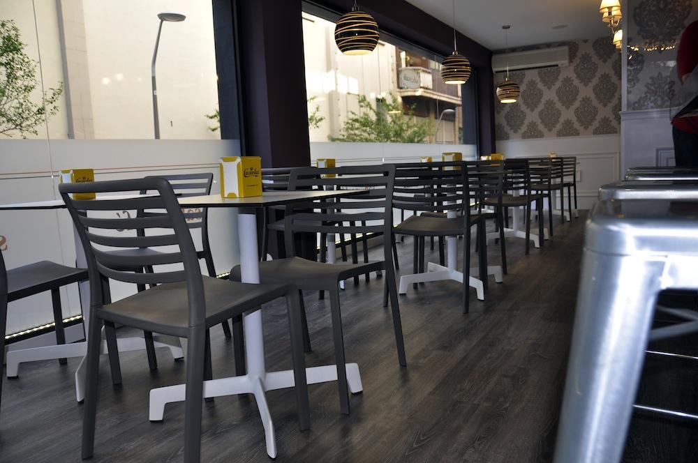 Sillas para cafeteria en el sabor a caf el blog de sillas for Sillas de diseno para exterior