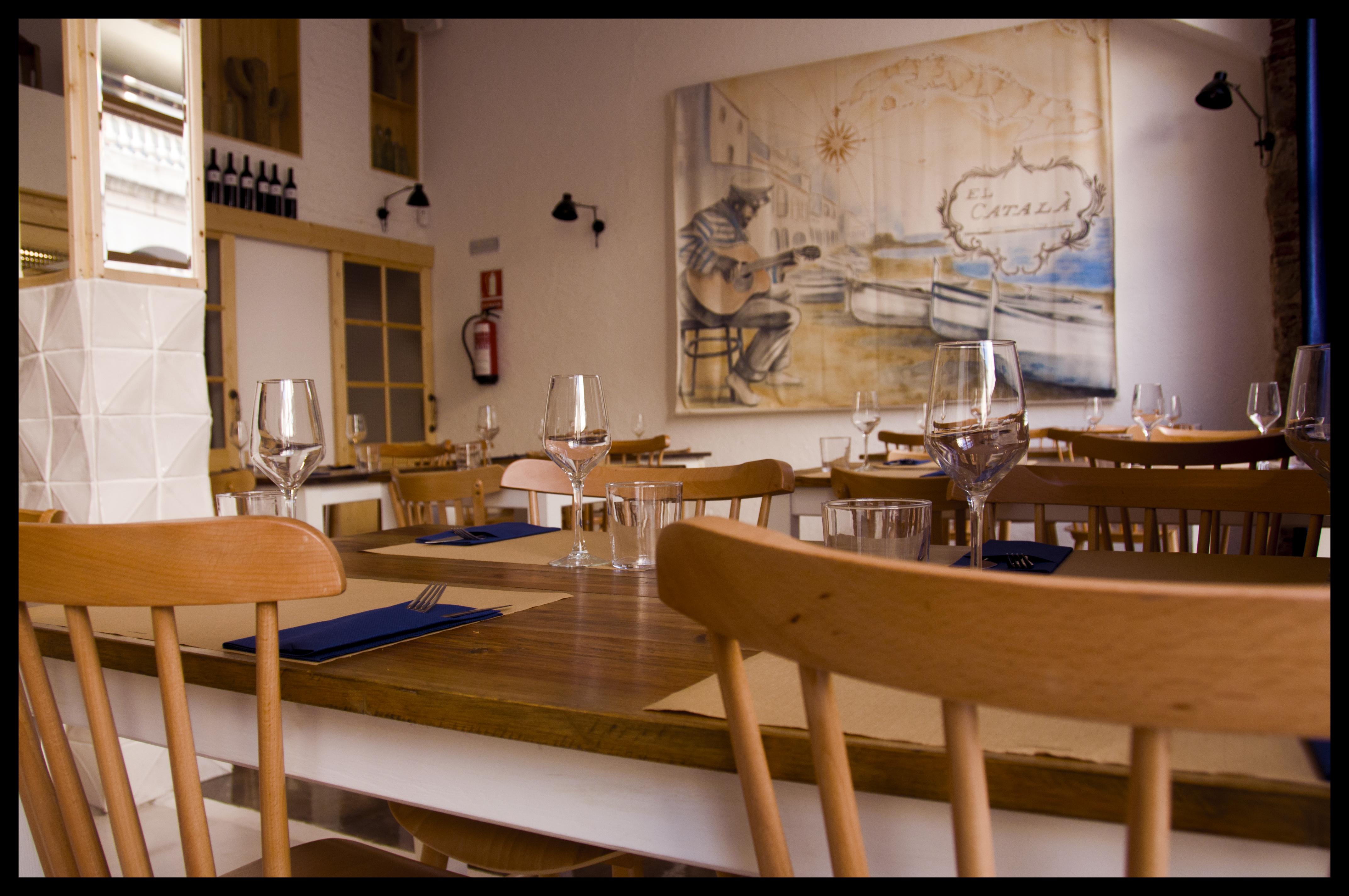 Un restaurante con sabor mediterr neo el catal el for Muebles catala
